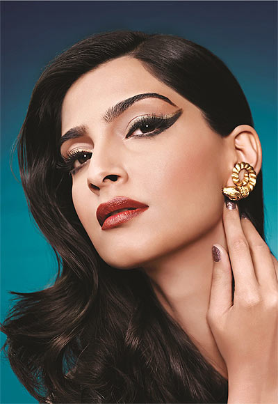 Sonam Kapoor Makeup looks