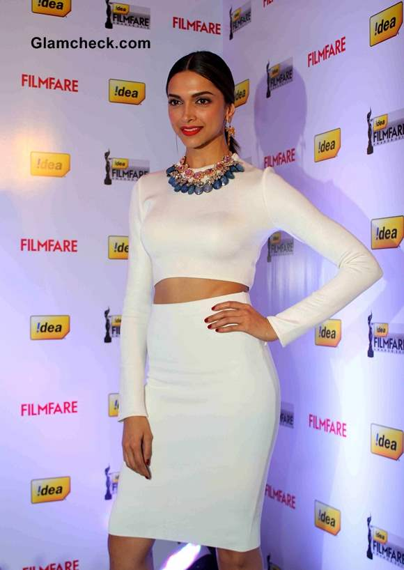 Deepika Padukon Stylish Pictures