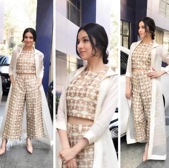 Divya Khosla Kumar in Modern outfits