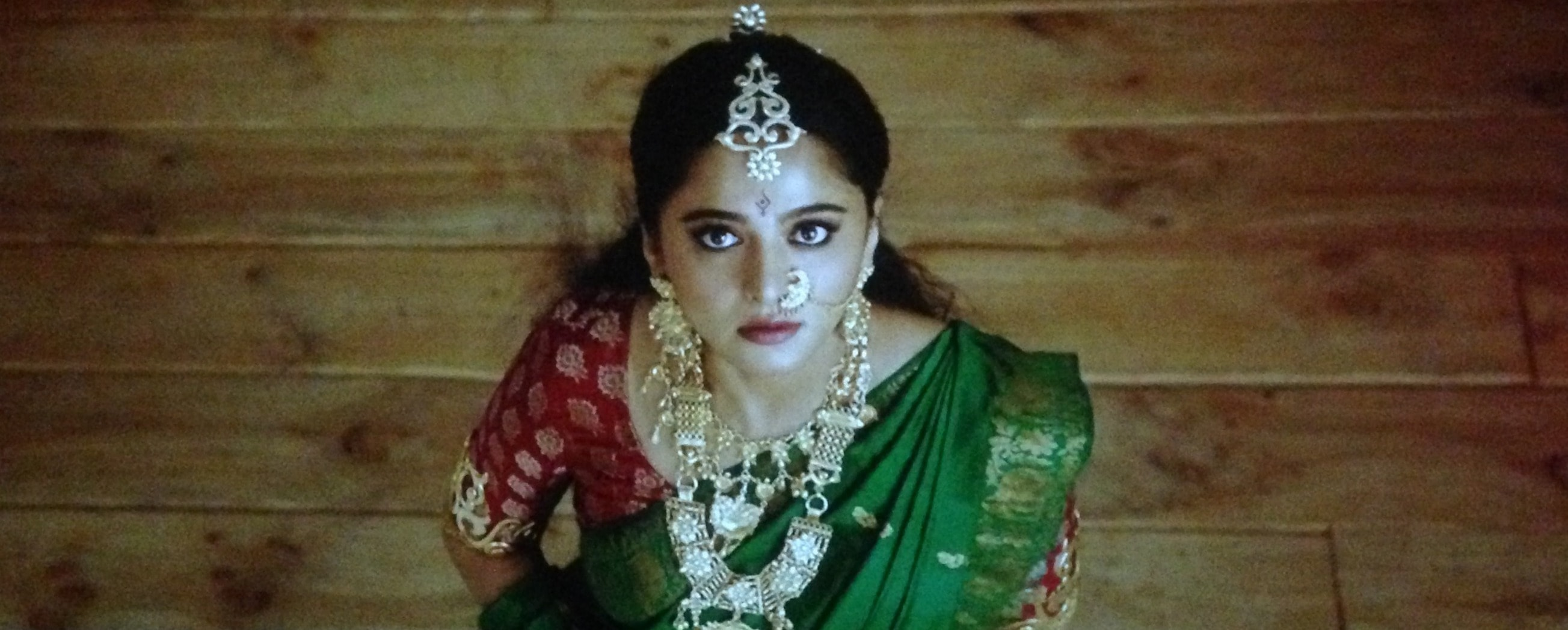 Anushka Shetty in green saree in bahubali 2 The conclusion