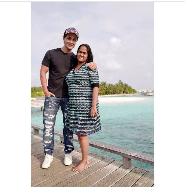 Arpita Khan With Husband aayush Sharma in Maldives