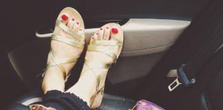 foot care, feet care tips, how to keep feet beautiful, beautful feet, paon ki dar paon kase banayein, ekhbhal, sundar pon, nail care, foot cream, skin care tips, beauty tips for feet, how to care your feet